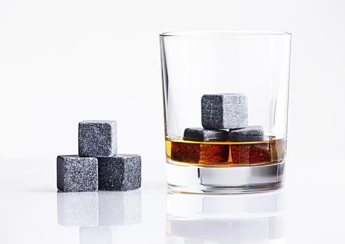 Forslag til 5 års bryllupsdag gave til mannen - whiskysteiner.
