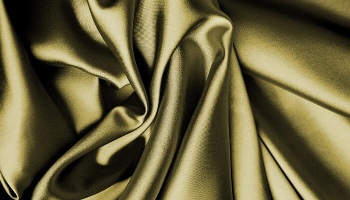 Stoff i silke.